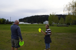 Squaking disc golfers